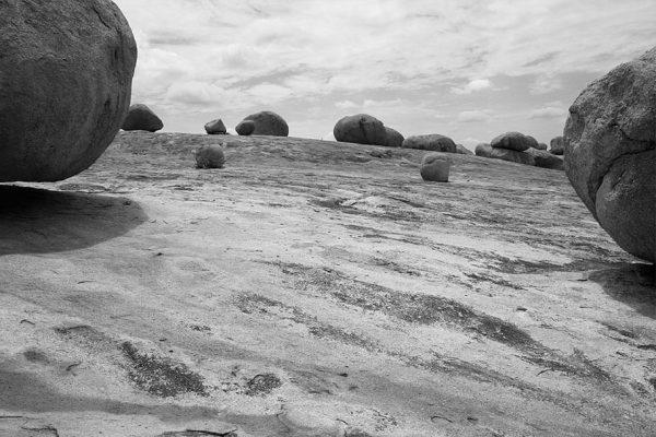 série pedra mole, 2010 impressão digital sobre papel de algodão digital print on cotton paper tiragem 3 | 3 copies 108 x 71,5 cm | 71,5 x 108 cm