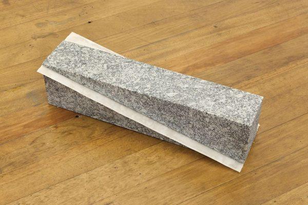 sem título | untitled, 2010 granito e parafina granite and paraffin 60 x 22 x 15 cm