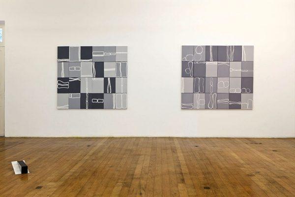 sem título | untitled, 2010 óleo sobre tela | oil on canvas 40 x 30 cm cada tela, 160 x 180 cm obra 40 x 30 cm each canvas, 160 x 180 cm all work
